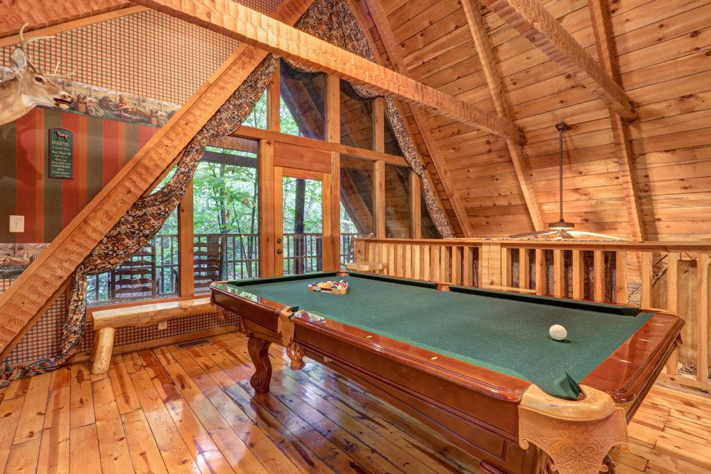 Photo of a Sevierville Cabin named Creekside - This is the ninth photo in the set.