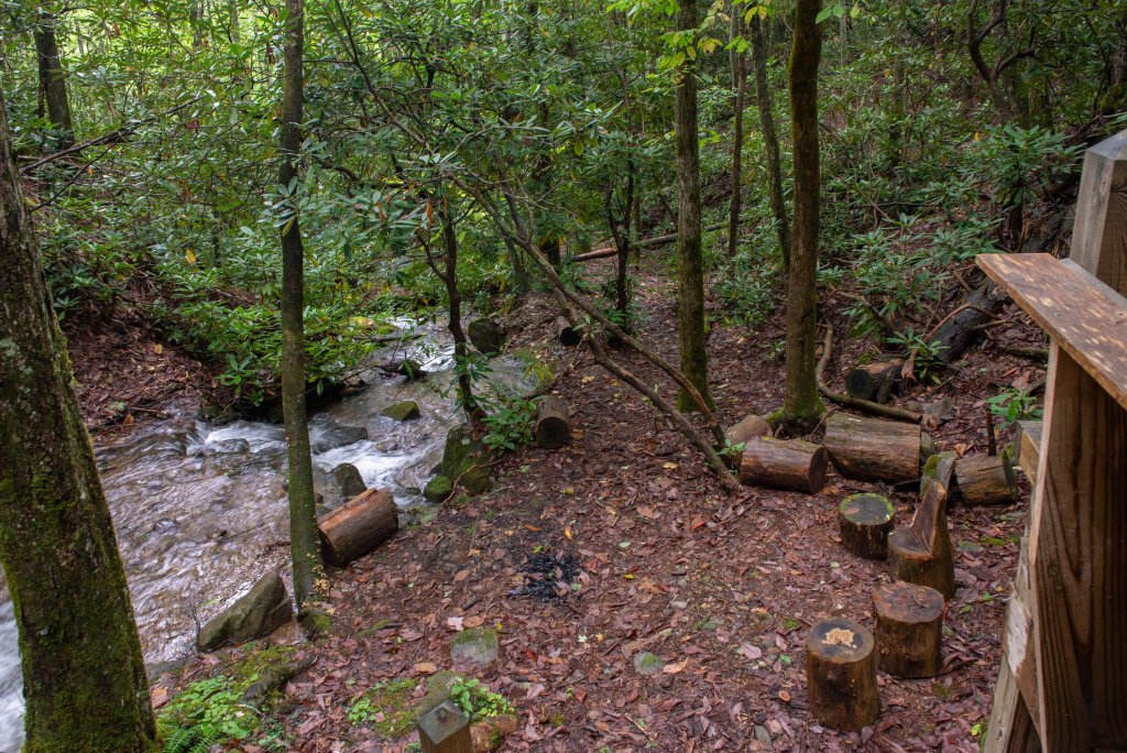 Photo of a Sevierville Cabin named Creekside - This is the thirty-third photo in the set.