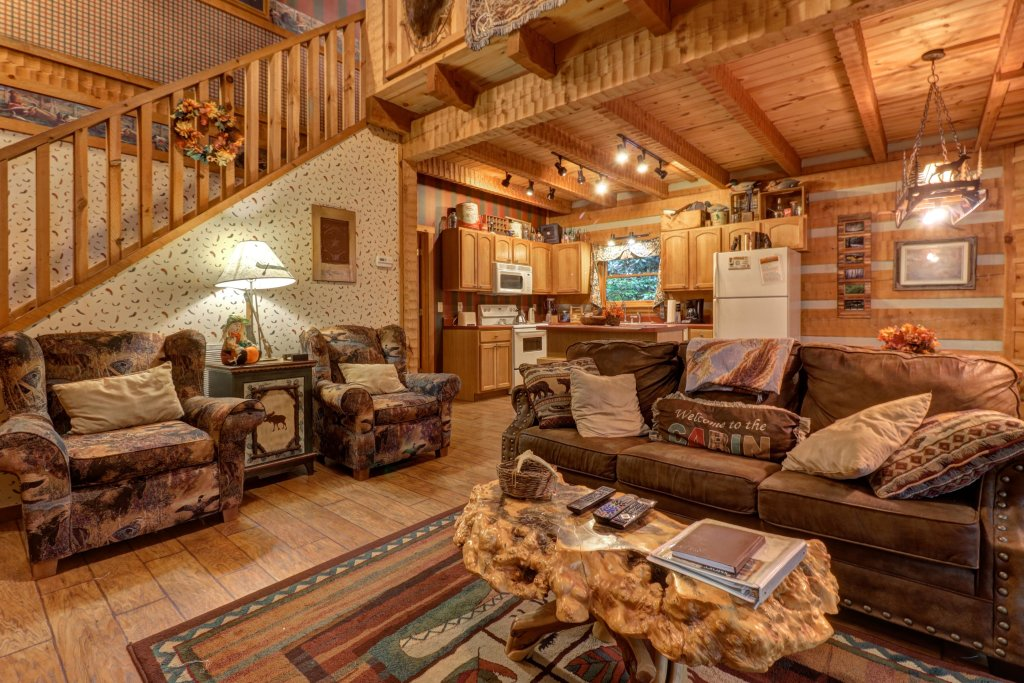 Photo of a Sevierville Cabin named Creekside - This is the fifth photo in the set.