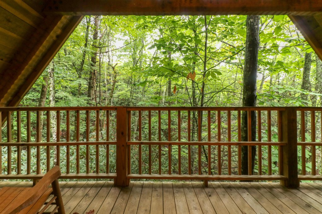 Photo of a Sevierville Cabin named Creekside - This is the twenty-third photo in the set.