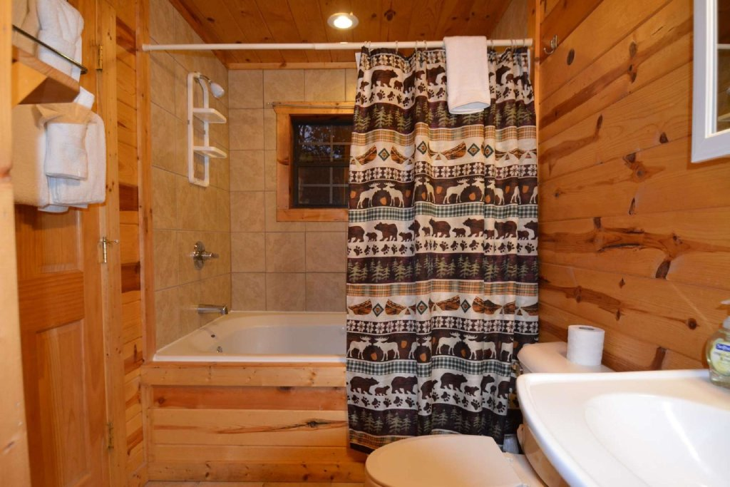 Photo of a Gatlinburg Cabin named Paws And Unwind - This is the twelfth photo in the set.
