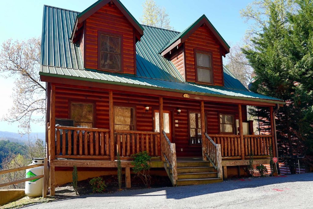 Photo of a Pigeon Forge Cabin named Bearadise - This is the third photo in the set.