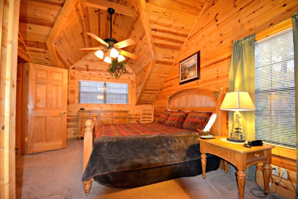 Photo of a Gatlinburg Cabin named Paws And Unwind - This is the eighteenth photo in the set.