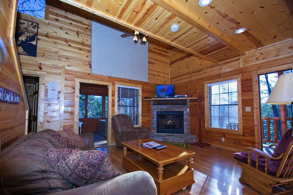 Photo of a Gatlinburg Cabin named Paws And Unwind - This is the seventh photo in the set.