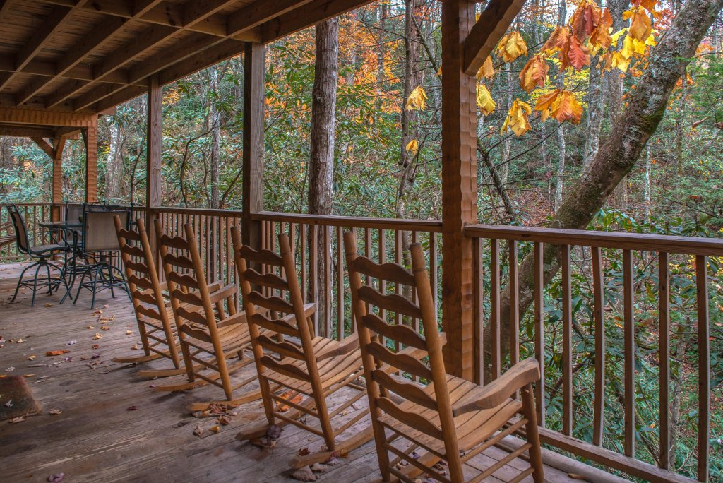 Photo of a Sevierville Cabin named Creekside - This is the thirty-ninth photo in the set.