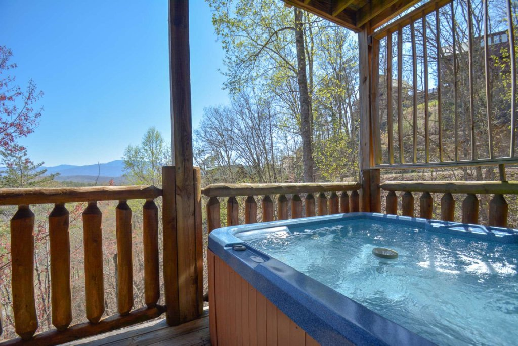 Photo of a Pigeon Forge Cabin named Bearadise - This is the sixth photo in the set.