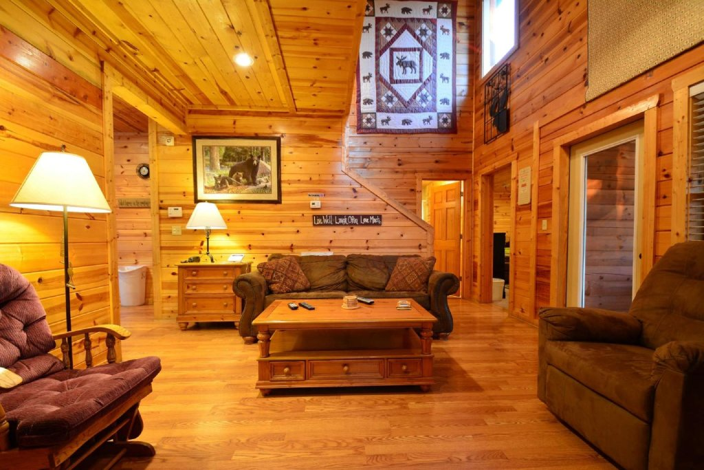 Photo of a Gatlinburg Cabin named Paws And Unwind - This is the sixth photo in the set.