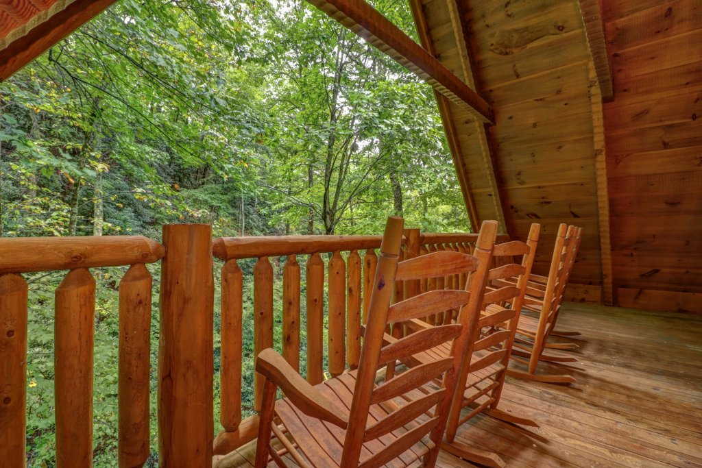 Photo of a Sevierville Cabin named Up The Creek - This is the eighteenth photo in the set.
