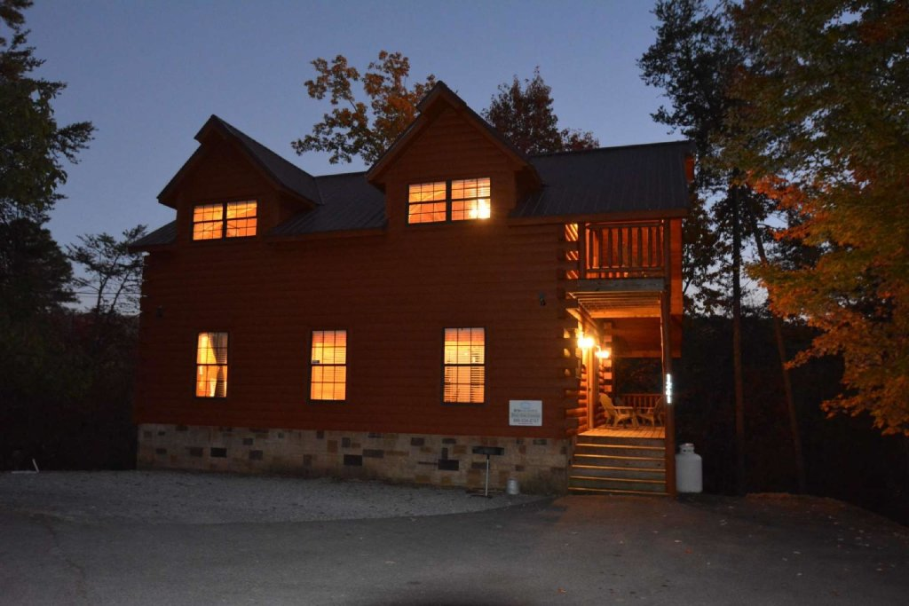 Photo of a Gatlinburg Cabin named Paws And Unwind - This is the sixteenth photo in the set.