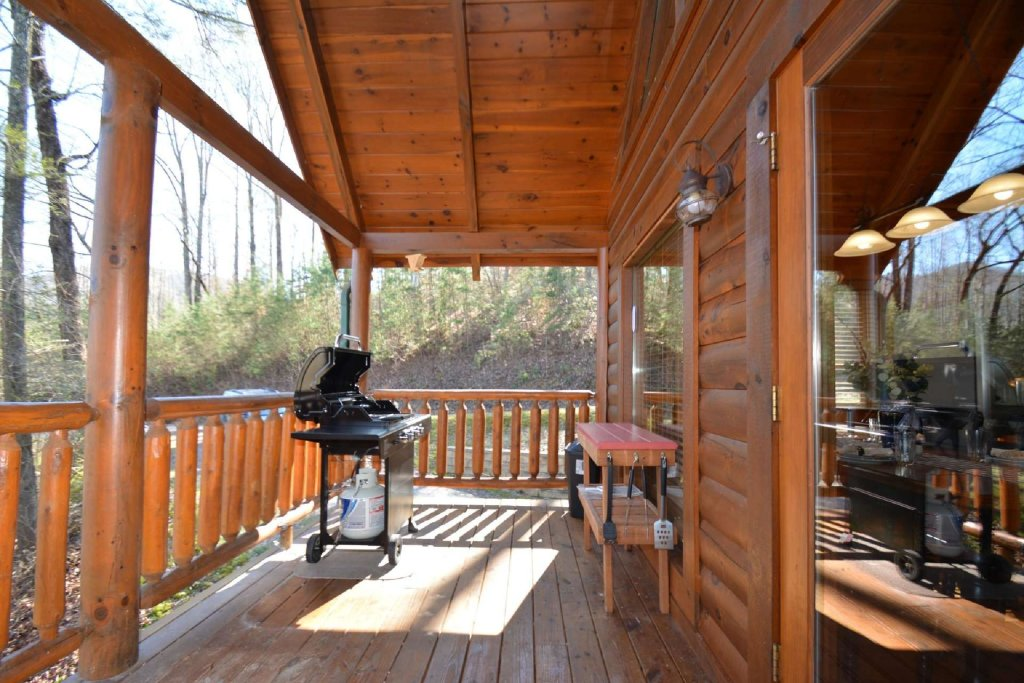 Photo of a Sevierville Cabin named Hidden Haven - This is the twenty-fourth photo in the set.
