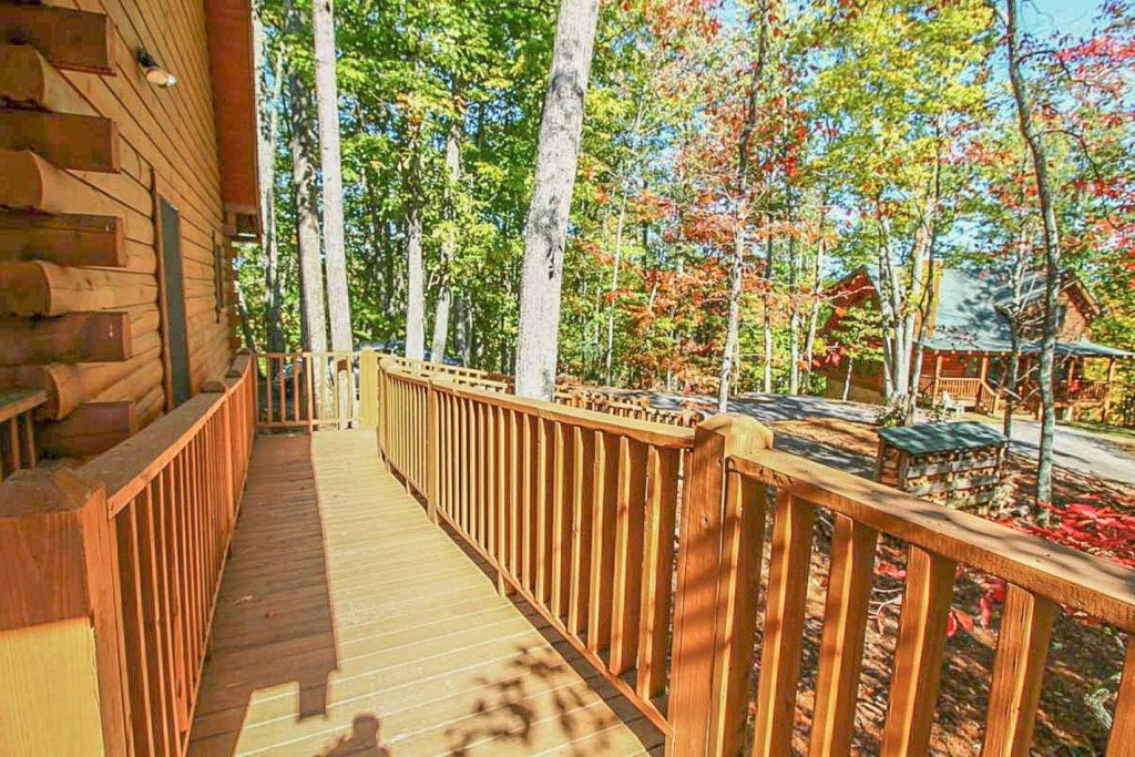 Photo of a Pigeon Forge Cabin named Mountain Splendor - This is the forty-fifth photo in the set.