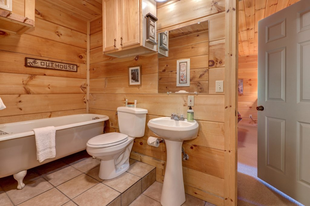 Photo of a Sevierville Cabin named Southern Comfort - This is the twentieth photo in the set.