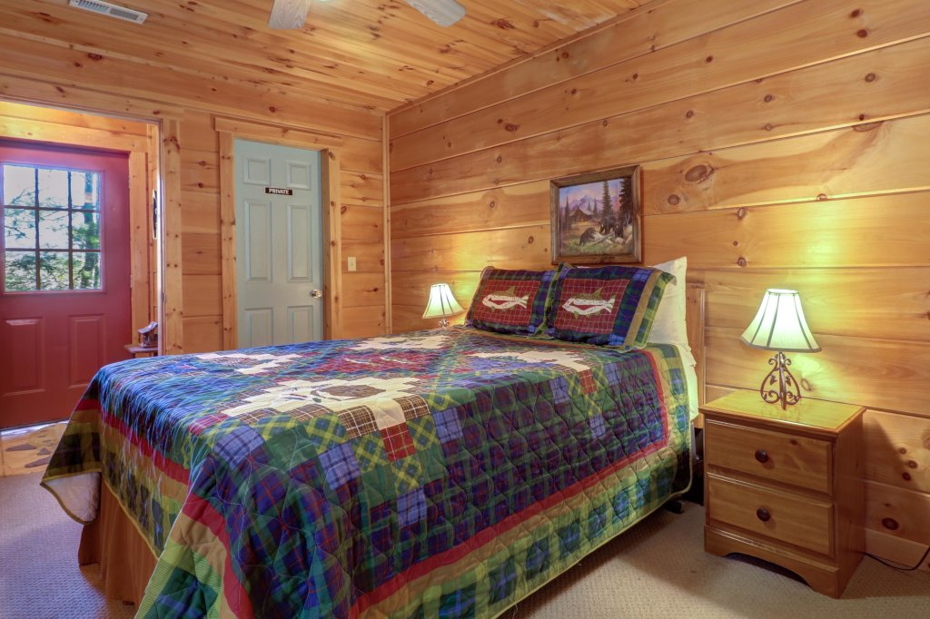 Photo of a Sevierville Cabin named Southern Comfort - This is the twenty-first photo in the set.