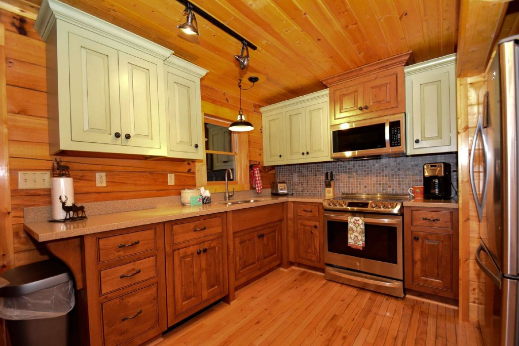 Photo of a Pigeon Forge Cabin named Mountain Splendor - This is the third photo in the set.