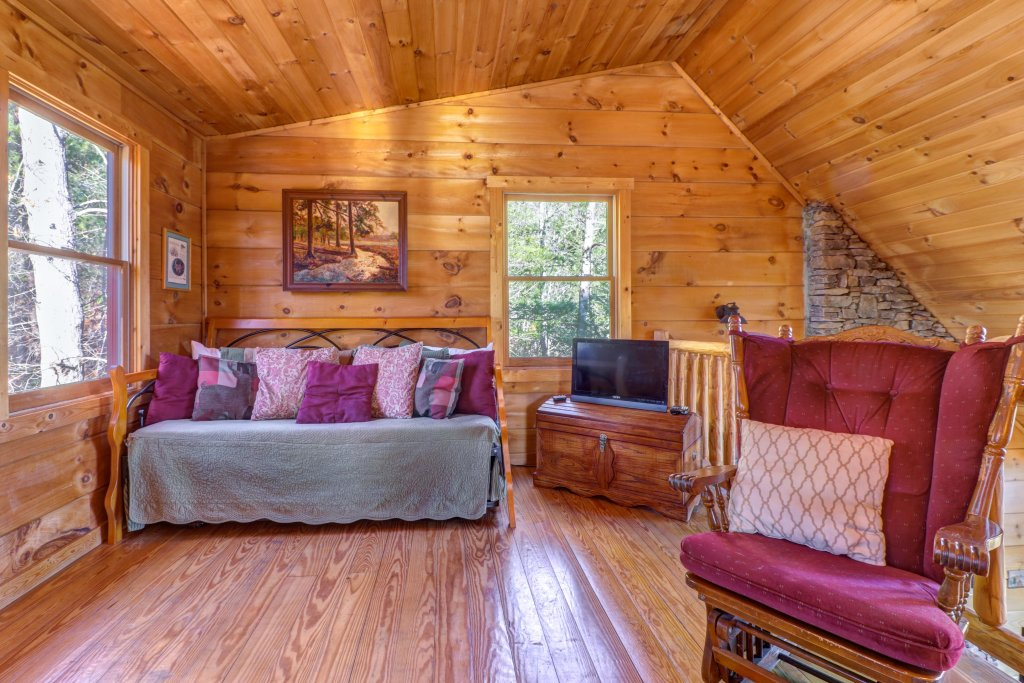 Photo of a Sevierville Cabin named Southern Comfort - This is the eighth photo in the set.