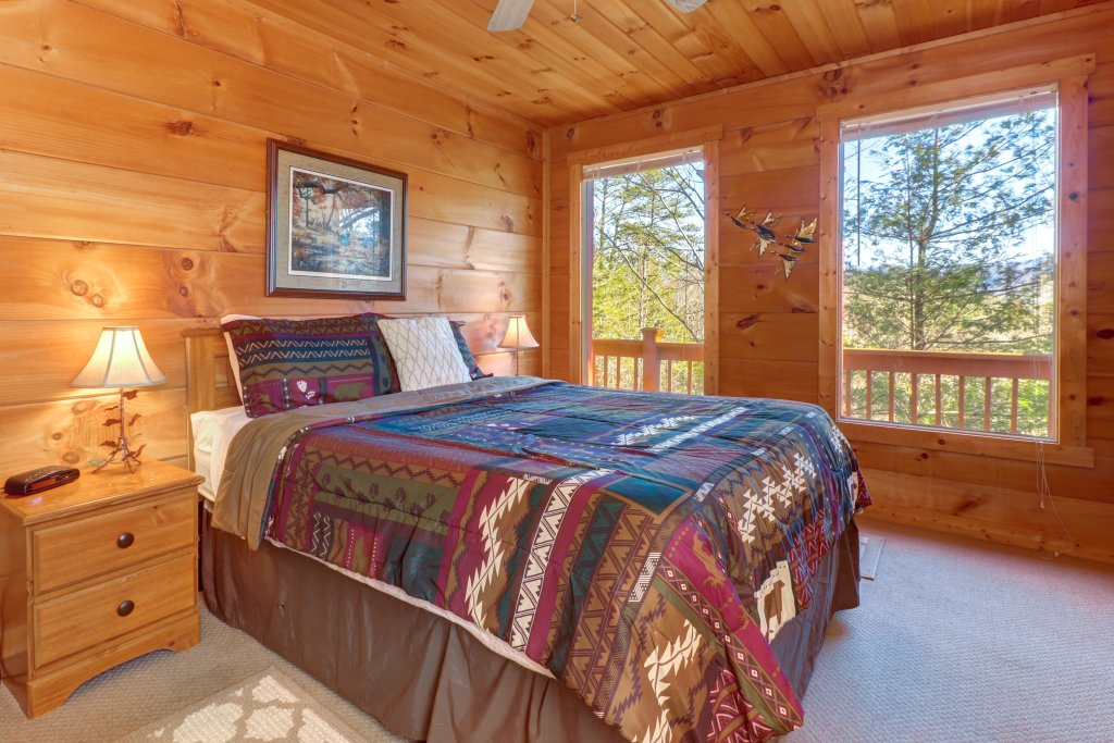 Photo of a Sevierville Cabin named Southern Comfort - This is the eighteenth photo in the set.