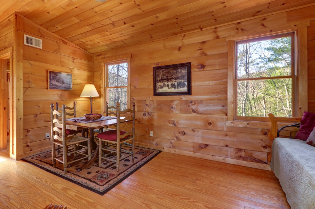 Photo of a Sevierville Cabin named Southern Comfort - This is the thirty-seventh photo in the set.