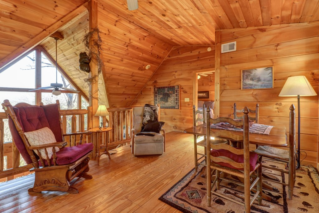 Photo of a Sevierville Cabin named Southern Comfort - This is the thirty-sixth photo in the set.