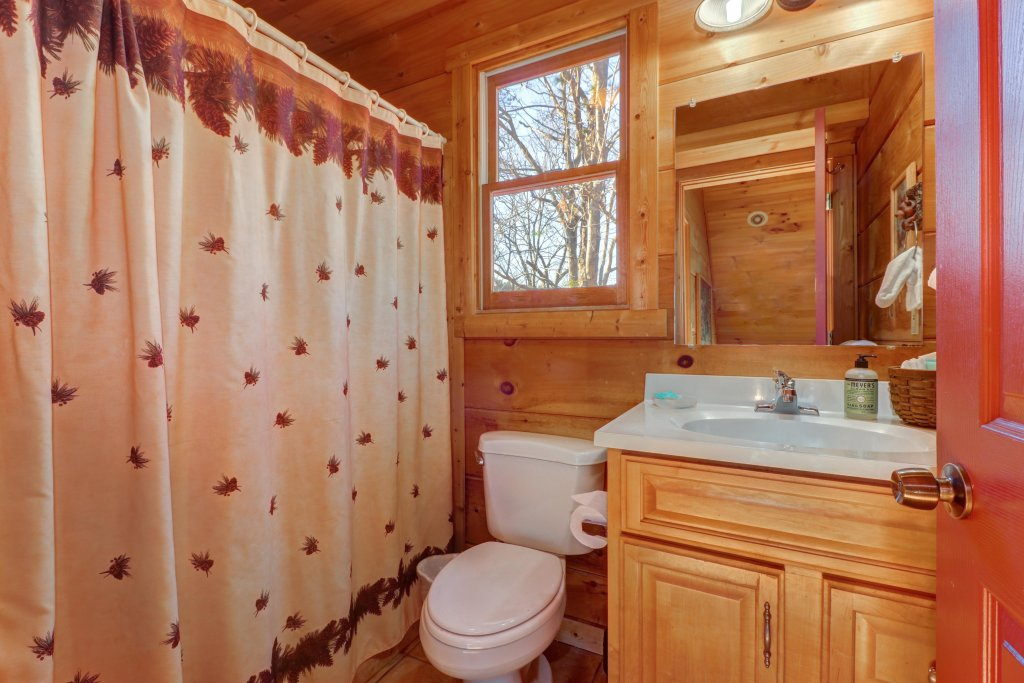 Photo of a Sevierville Cabin named Southern Comfort - This is the fifteenth photo in the set.