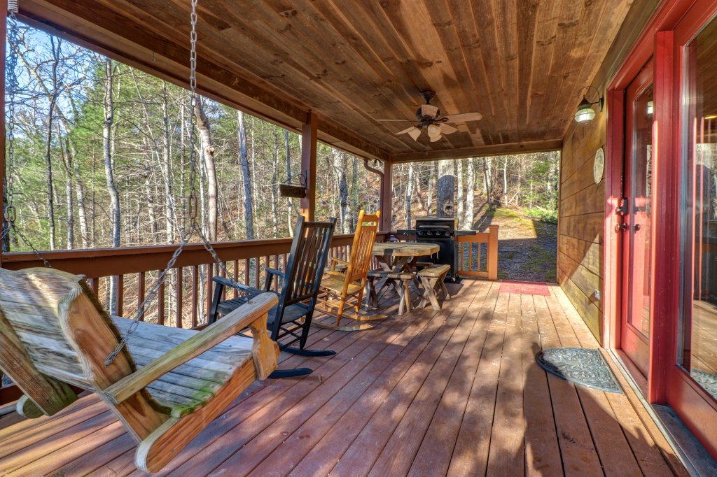 Photo of a Sevierville Cabin named Southern Comfort - This is the fortieth photo in the set.