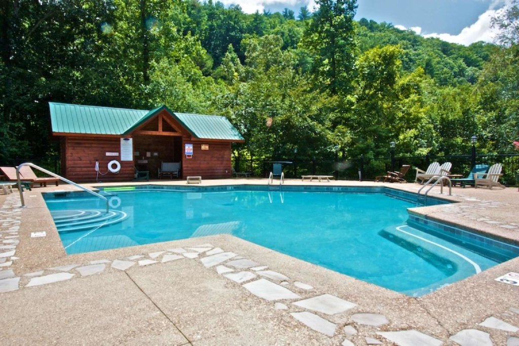 Photo of a Pigeon Forge Cabin named Kozy Lodge - This is the nineteenth photo in the set.