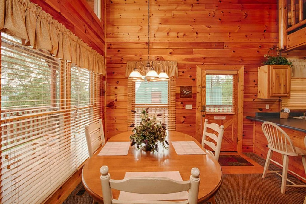 Photo of a Pigeon Forge Cabin named Victoria's Other Secret - This is the second photo in the set.