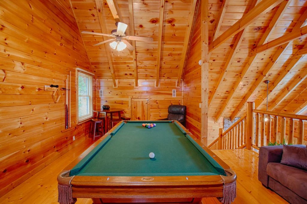 Photo of a Pigeon Forge Cabin named Victoria's Other Secret - This is the eighth photo in the set.