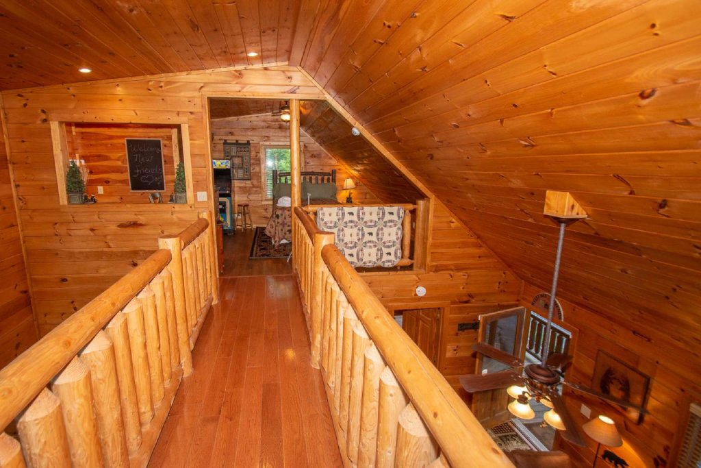 Photo of a Gatlinburg Cabin named Too Cozy - This is the fourteenth photo in the set.