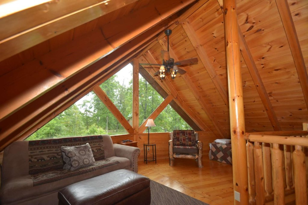 Photo of a Pigeon Forge Cabin named Kozy Lodge - This is the twelfth photo in the set.