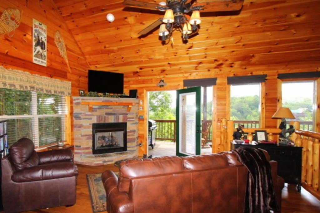 Photo of a Pigeon Forge Cabin named Starlight Kisses - This is the twentieth photo in the set.