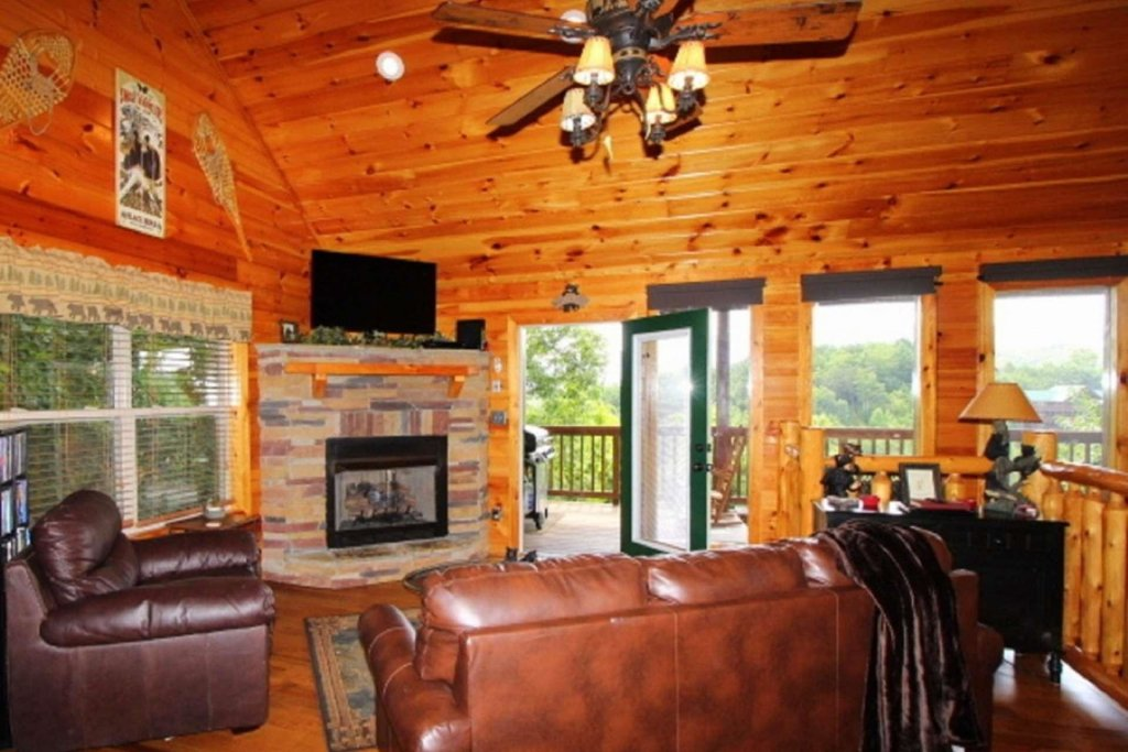 Photo of a Pigeon Forge Cabin named Starlight Kisses - This is the twenty-third photo in the set.