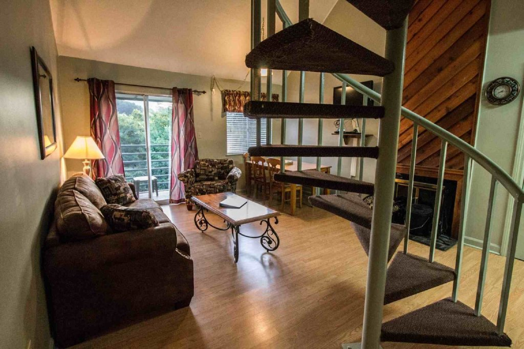 Photo of a Gatlinburg Cabin named Summit Condominiums #3304 - This is the second photo in the set.
