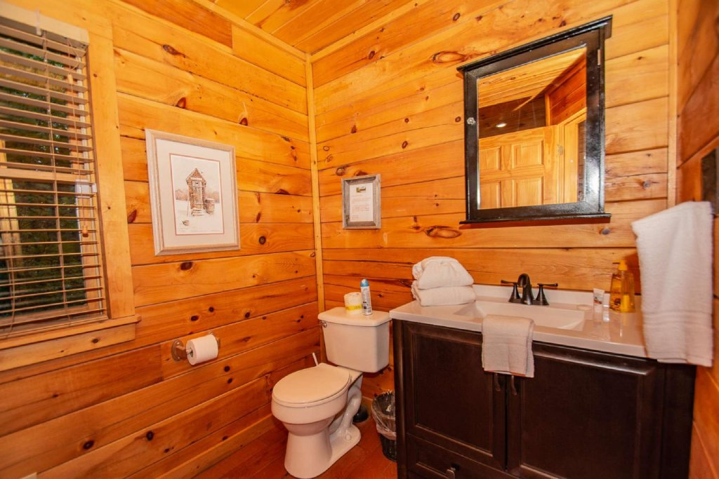 Photo of a Gatlinburg Cabin named Too Cozy - This is the twelfth photo in the set.