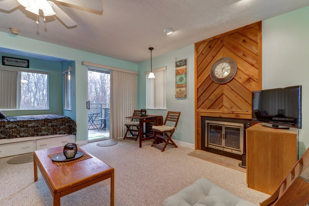 Photo of a Gatlinburg Cabin named Summit Studio - This is the eighth photo in the set.