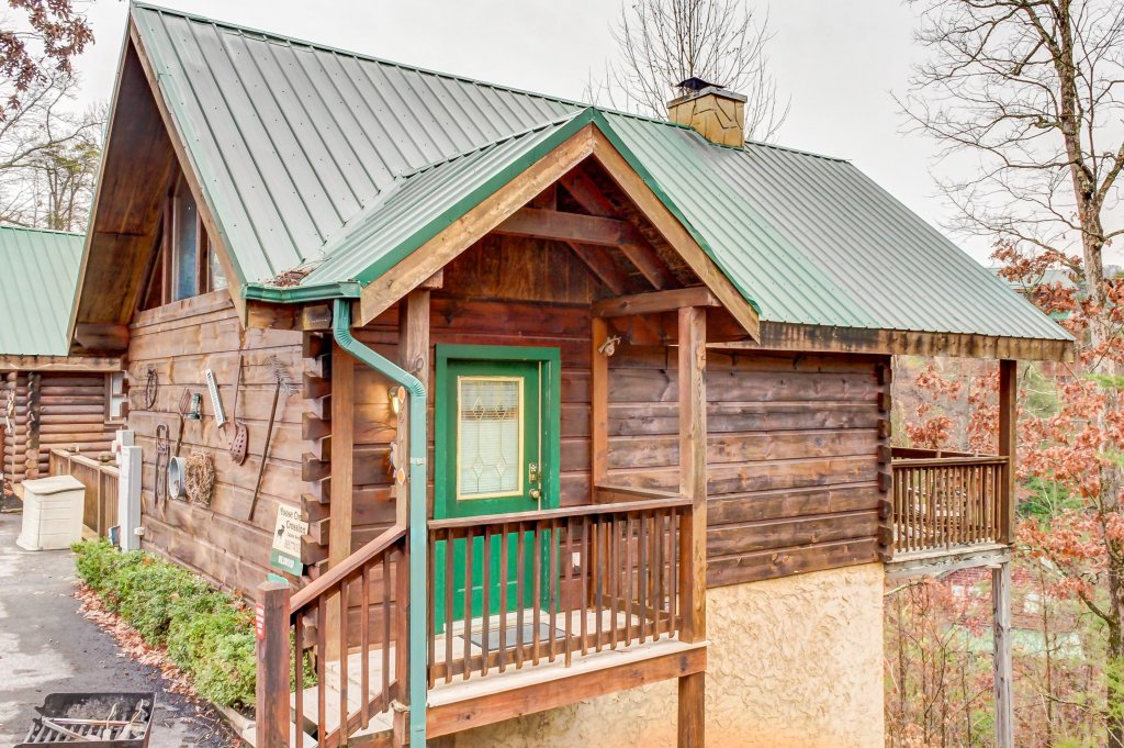 Photo of a Pigeon Forge Cabin named Arrowhead Log Cabin Resort: Wildwood Cabin - This is the twentieth photo in the set.