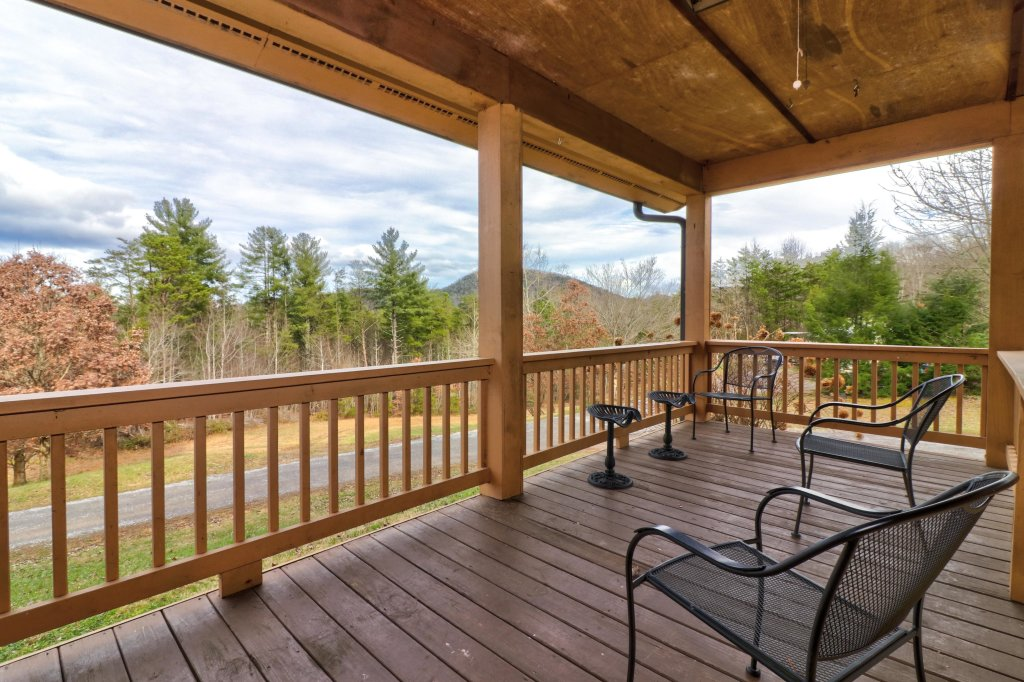 Photo of a Sevierville Cabin named Country Cabin - This is the first photo in the set.