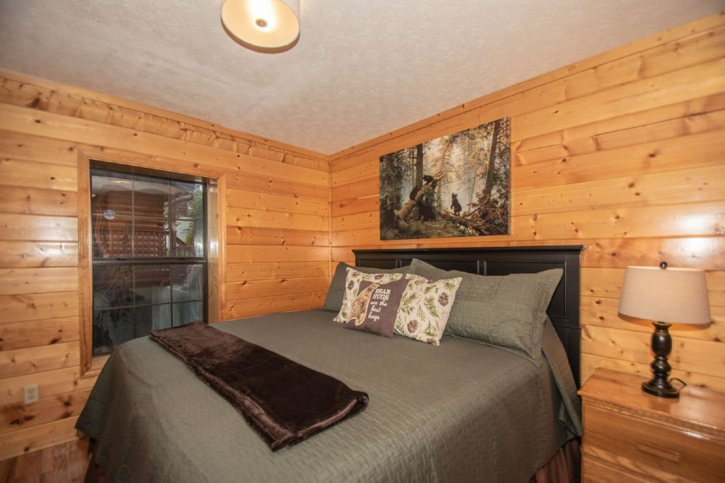 Photo of a Pigeon Forge Cabin named High And Lifted Up - This is the twenty-second photo in the set.
