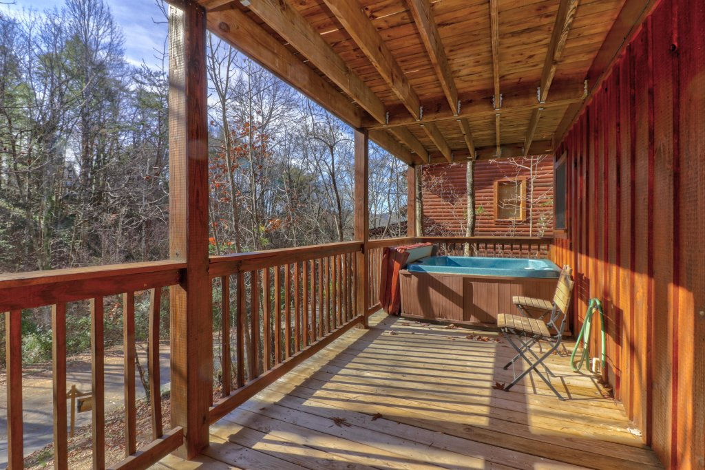 Photo of a Pigeon Forge Cabin named Thunder Bear Hideaway - This is the twenty-second photo in the set.