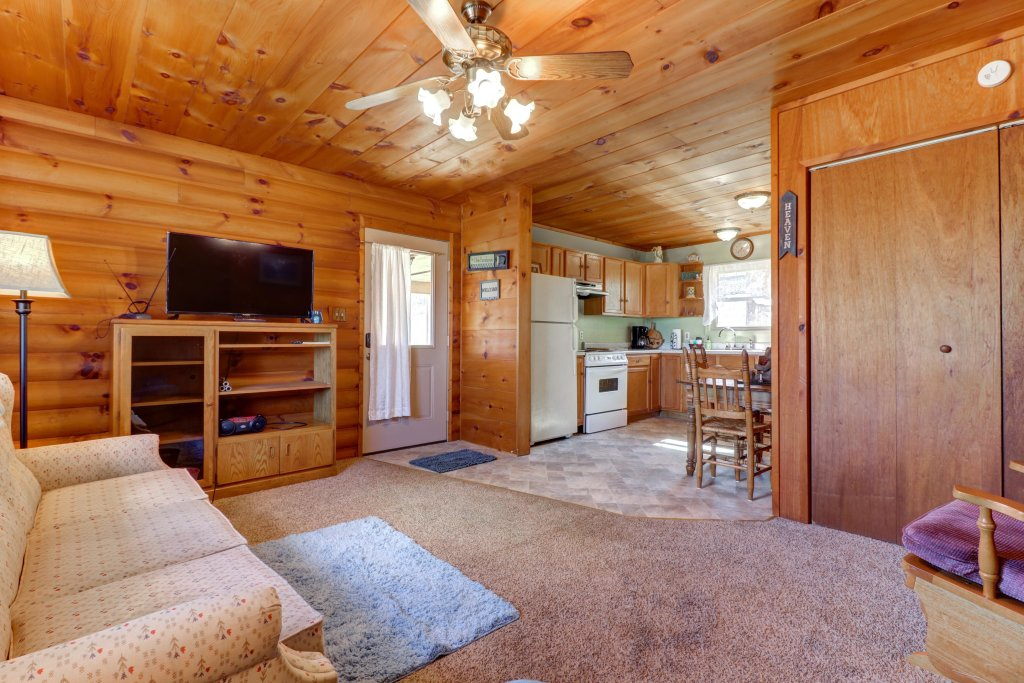 Photo of a Sevierville Cabin named Country Cabin - This is the twentieth photo in the set.
