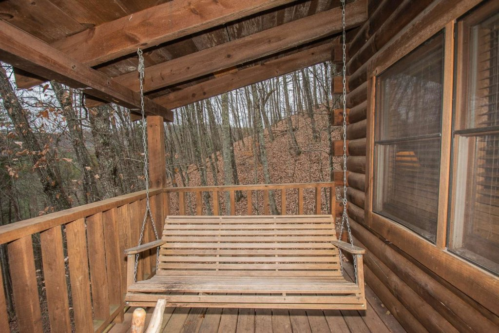 Photo of a Pigeon Forge Cabin named Bear Mountain Cabin - This is the fortieth photo in the set.