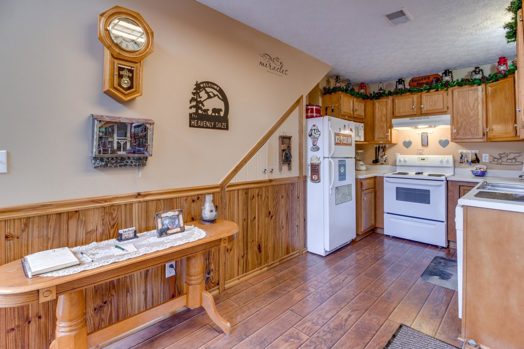 Photo of a Sevierville Cabin named Heavenly Daze Cabin - This is the thirtieth photo in the set.