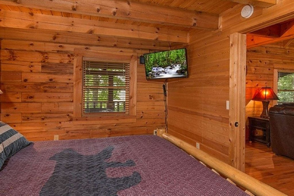 Photo of a Pigeon Forge Cabin named Bear Mountain Cabin - This is the forty-third photo in the set.