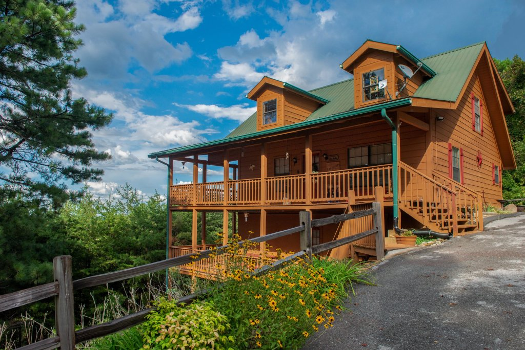 Photo of a Pigeon Forge Cabin named Fox Hollow Cabin - This is the twenty-seventh photo in the set.