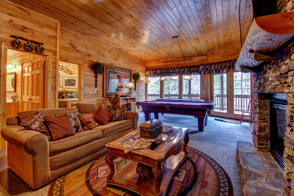 Photo of a Pigeon Forge Cabin named Mystic Falls Lodge Cabin - This is the twentieth photo in the set.