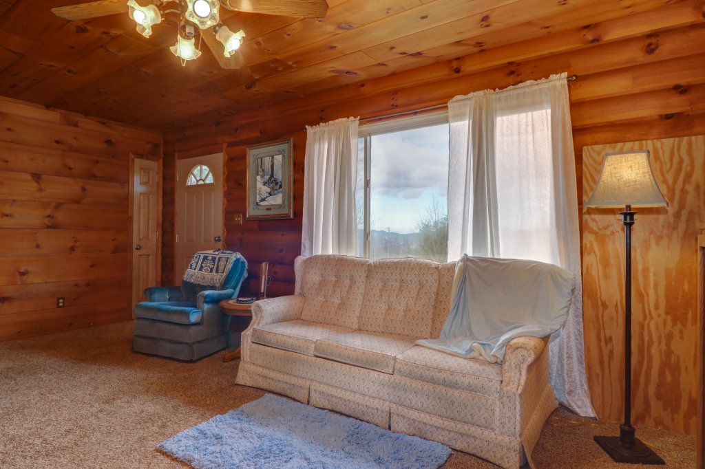 Photo of a Sevierville Cabin named Country Cabin - This is the second photo in the set.