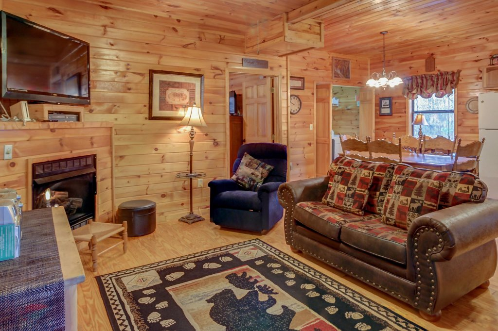 Photo of a Pigeon Forge Cabin named Dixie Delight Cabin - This is the eighth photo in the set.
