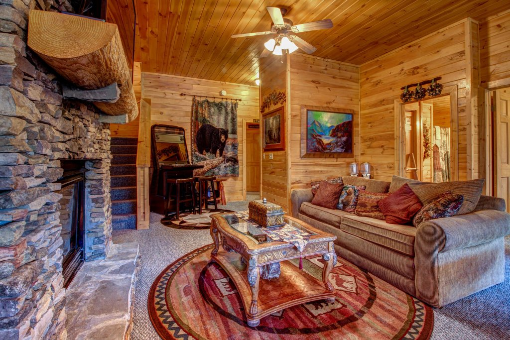 Photo of a Pigeon Forge Cabin named Mystic Falls Lodge Cabin - This is the nineteenth photo in the set.