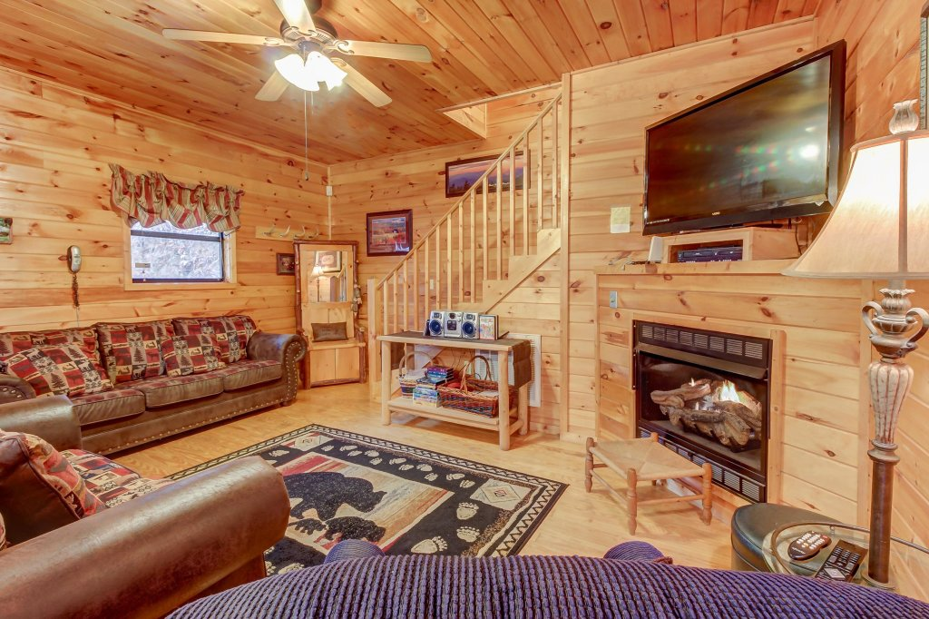 Photo of a Pigeon Forge Cabin named Dixie Delight Cabin - This is the twenty-second photo in the set.