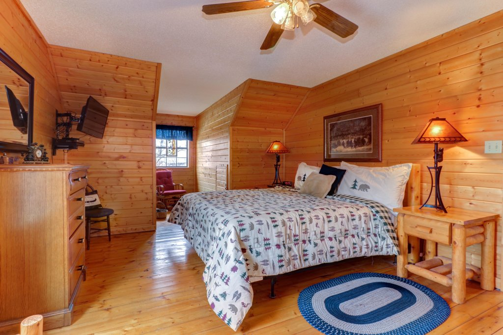 Photo of a Sevierville Cabin named Fox Hollow Cabin - This is the thirty-third photo in the set.