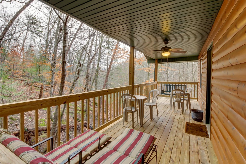 Photo of a Pigeon Forge Cabin named Dixie Delight Cabin - This is the nineteenth photo in the set.